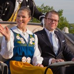 Sverige lever vidare som monarki